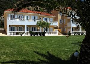 Marina Bay Aparthotel