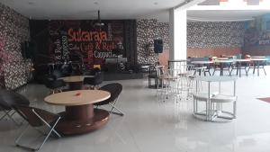 City Hotel, Hotel  Tasikmalaya - big - 110
