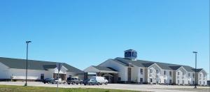 Cobblestone Inn and Suites - Bottineau - Hotel