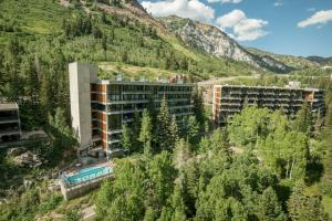 Inn at Snowbird - Hotel - The Cliff Lodge