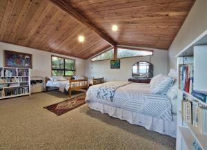 Sandspit Lodge