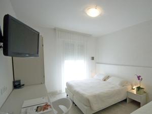 Hotel Sorriso, Отели  Милано-Мариттима - big - 51