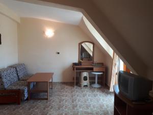 Hotel Palace, Hotels  Kranevo - big - 11