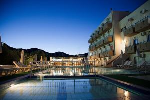 Hostales Baratos - Hotel Athinoula