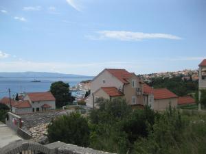Apartments by the sea Bol (Brac) - 13665