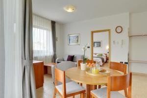 Apartments Nina, Apartmány  Rovinj - big - 32
