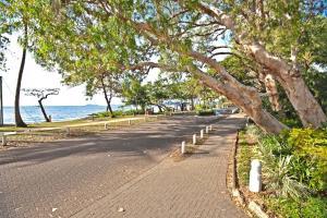 Marlin Waters Beachfront Apartments, Aparthotels  Palm Cove - big - 73