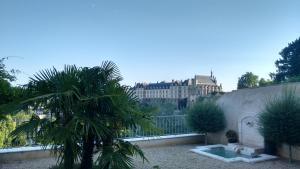 Le Clos des Remparts avec Vue sur Chateau