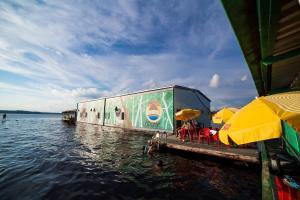 Abaré House Floating Hostel