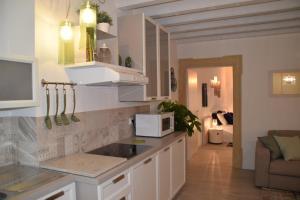 Verona White Lodge