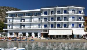 Hostels e Albergues - Minoa Hotel