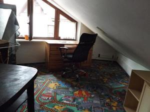 1st Floor Open'er Room