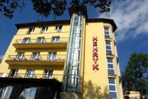 Hotel Henryk - Accommodation - Krynica