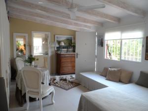 Casa con jardín frente Playa de Burriana