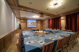 Alpen Hotel Corona, Hotely  Vigo di Fassa - big - 27