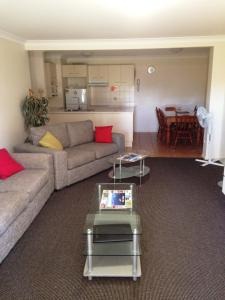 Beaches Serviced Apartments, Aparthotels  Nelson Bay - big - 55