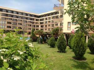 LUXOR Apartments