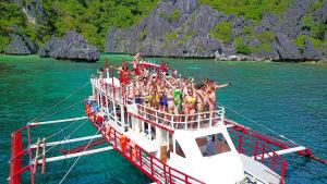 Le Boat (Expeditions and Booze Cruises)