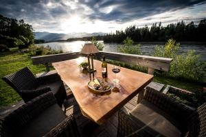 Skeena River House Bed&Breakfast - Accommodation - Terrace