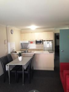 Beaches Serviced Apartments, Aparthotels  Nelson Bay - big - 64