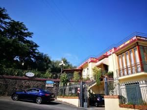 Pupi Catania Etna B&B, Bed & Breakfast  Aci Castello - big - 41