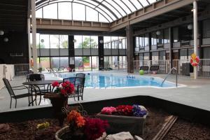 Newark Garden Finger Lakes Hotel - Newark