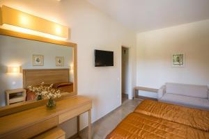 Delfinia Hotel (2 of 45)