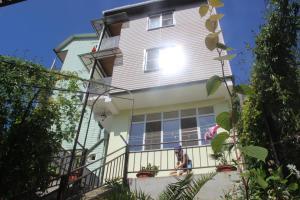 Marinka Guest House - Orel-Izumrud