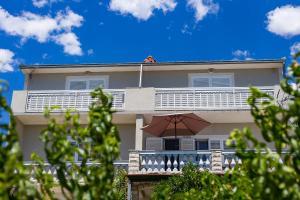 Apartments Rose, 21218 Trogir