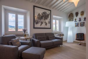 Apartment for 6 with Terrace and Parking - AbcAlberghi.com
