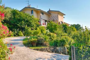 Casa Anna a Pietrasanta in Toscana - AbcAlberghi.com