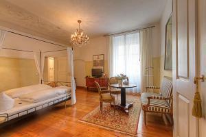 Hotel Orphée - Großes Haus, Hotel  Ratisbona - big - 39