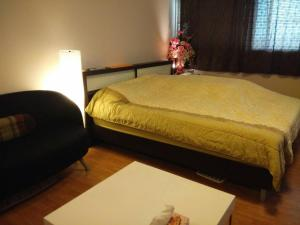 Renovate Room Near Impact, Apartmanok  Banbangphang - big - 48