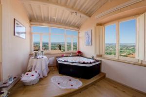Hotel San Michele, Hotels  Cortona - big - 74
