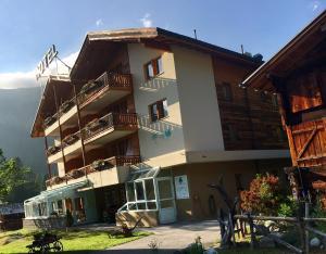 Hotel Ahorni, Отели  Обервальд - big - 27