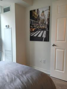 Executive 3 Bedroom Condo, Ferienwohnungen  Toronto - big - 34