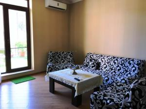 Brand New Apartment with Terrace, Apartments  Tbilisi City - big - 39