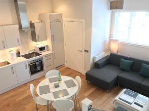Capital Retreats - Dewar Place Lane - Edinburgh
