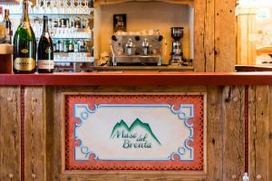 Hotel Maso del Brenta, Отели  Кадерцоне - big - 9