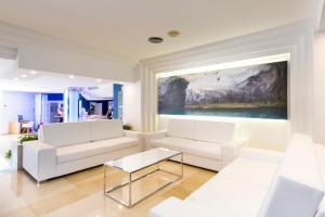 Globales Mediterrani, Hotels  Cala Blanca - big - 58