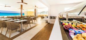 Globales Mediterrani, Hotels  Cala Blanca - big - 56