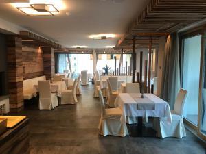 Dolomeet Boutique Hotel, Отели  Пинцоло - big - 60