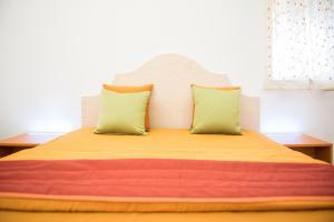 Regia Corte Home, Bed & Breakfasts  Partinico - big - 2