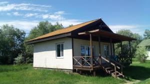 Holiday houses Berloga - Karaul'noye
