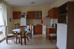 Iris Apartments, Apartmány  Sveti Konstantin i Elena - big - 2