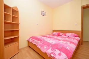 Apartment Ivan, Apartmány  Novalja - big - 8