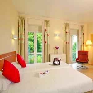 Location gîte, chambres d'hotes Hotels & Résidences - Les Thermes dans le département Haute Saône 70