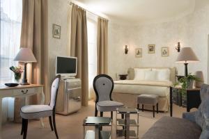 Chateau Laroche-Ploquin, Hotely  Sepmes - big - 24