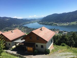 Namas Mathiasl Wellness-Ferienhäuser Bodensdorfas Austrija