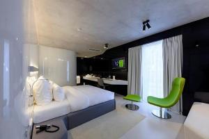 The Grove Design Hotel